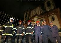 Bombeiros combatem incêndio em Igreja que abriga o túmulo de Aleijadinho em Ouro Preto