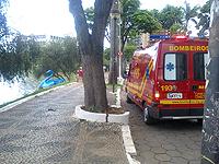 Bombeiros atendem acidente com pedalinho