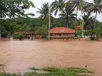 Bombeiros resgatam vítimas ilhadas em Icaraí de Minas
