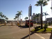 Bombeiros participam de simulado de incêndio em shopping center