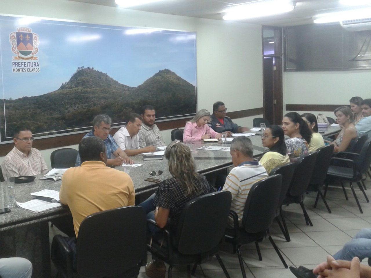 Reunião com diversos órgãos públicos e privados