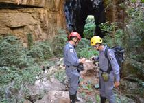 Bombeiros realizam vistoria no Parque Nacional Cavernas Peruaçu